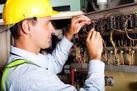 Motive pentru a urma un curs de electrician autorizat