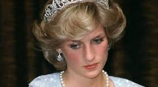 Gest SOCANT facut la cosciugul PRINTESEI DIANA de catre Regina Elisabeta! Nu s-a mai intamplat asta NICIODATA! Imagini CUTREMURATOARE! (VIDEO), Charmy