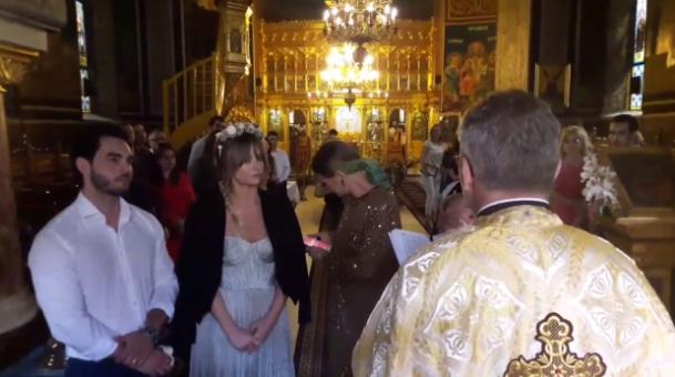 Gestul facut de Delia Matache in fata preotului, la botezul finei sale. Toti s-au uitat la ea! Momentul a fost filmat, Charmy