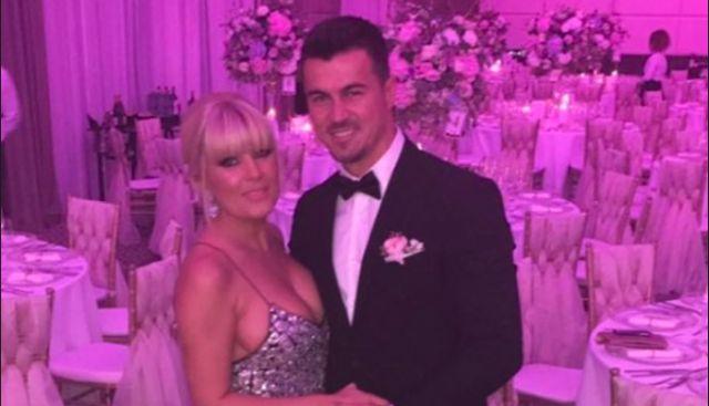 Elena Udrea: Cand ma intorc in tara ma casatoresc, Charmy