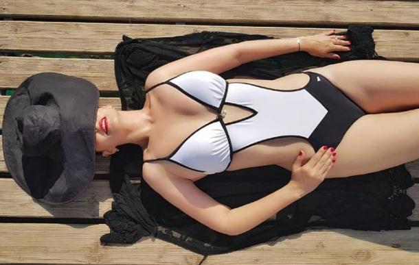 Andreea Marin a recunoscut! Ea e cea din pozele compromitatoare aparute in spatiul public! (FOTO), Charmy