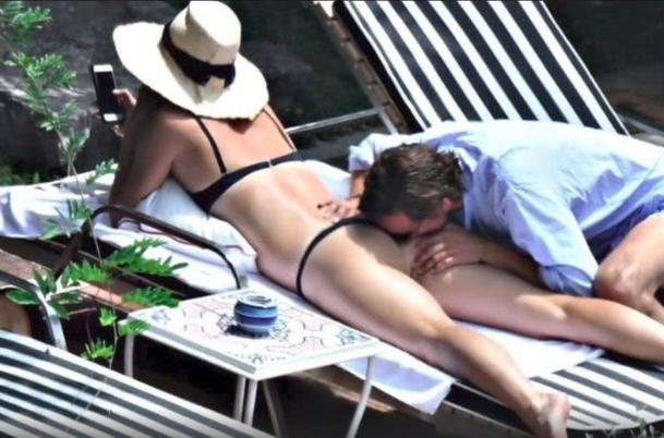 Maria Sharapova, surprinsa cu iubitul pe plaja. Scene INCENDIARE cu cea mai sexy jucatoare de tenis. INCREDIBIL ce-i face barbatul (FOTO), Charmy