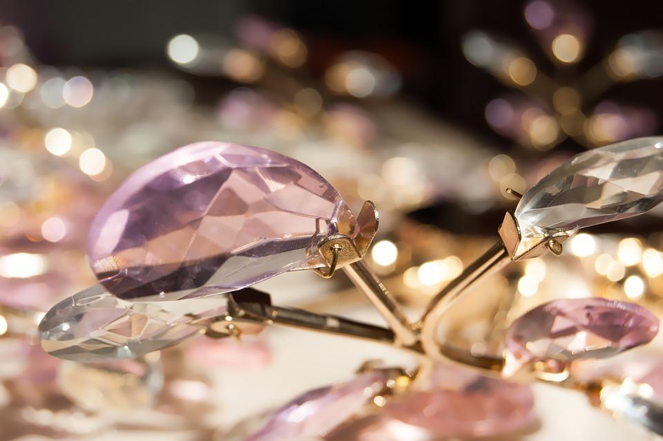 Motive pentru care clientii se intorc in magazinul de bijuterii Zehava, Charmy