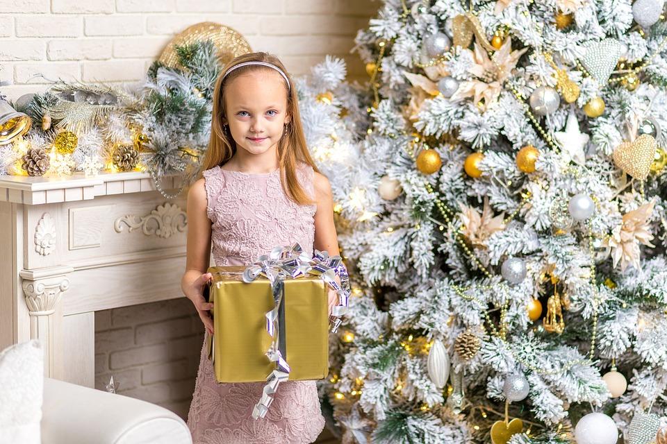 """Cadouri pentru copii – cum ii invatam sa spuna """"multumesc""""?, Charmy"""