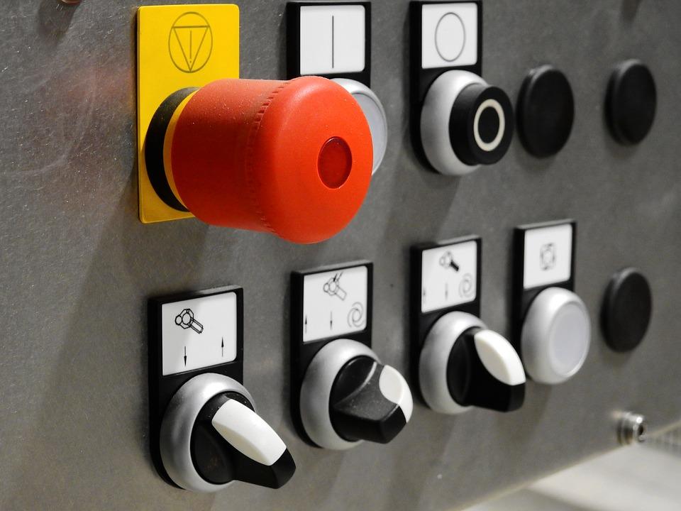 De tabloul electric depinde siguranta instalatiei electrice din locuinta. Cand e bine sa il schimbam si pe cine chemam?, Charmy