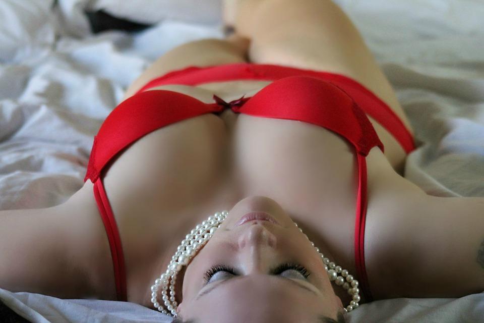 Orgasmul la femei – cum sa ajungi rapid la el, Charmy