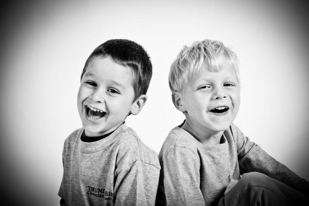 Important in educarea copiilor: Ce sa faci cand se cearta?, Charmy