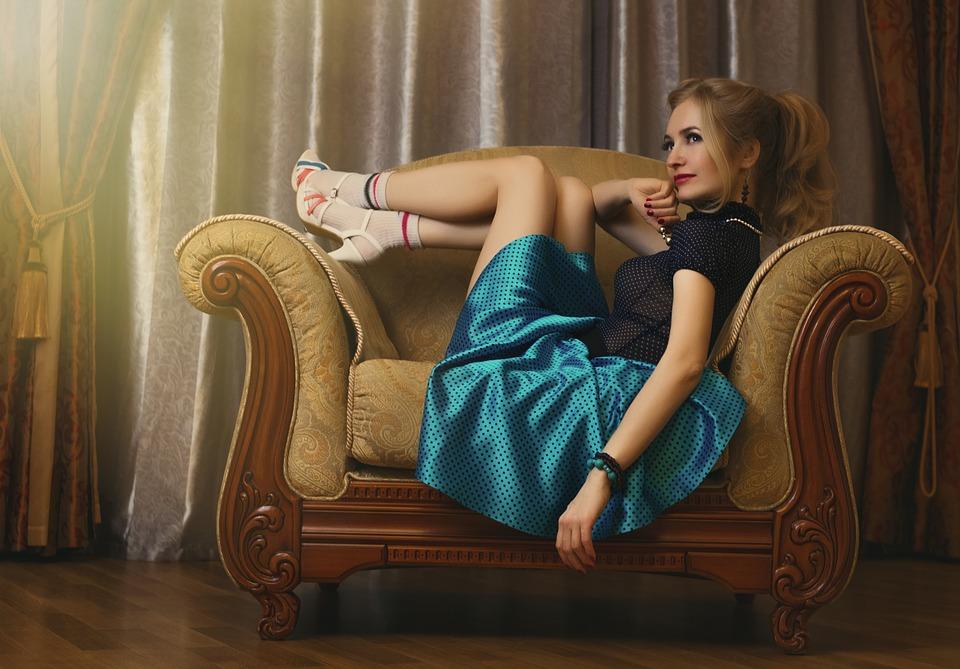Cum alegi rochii de zi perfecte pentru diverse evenimente?, Charmy
