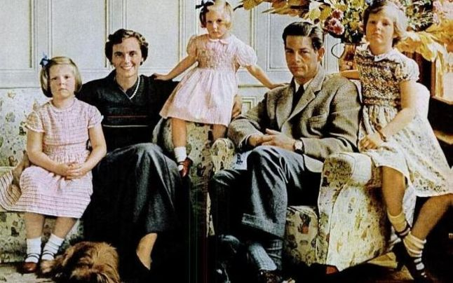 Nepotii Regelui Mihai, Charmy