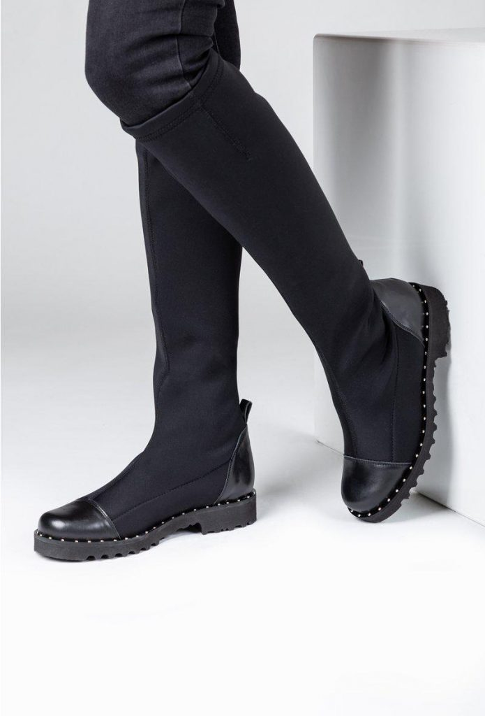 Cu ce porti cizmele peste genunchi? 11 idei de tinute indraznete de toamna-iarna, Charmy
