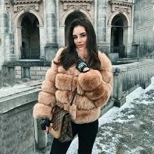 3 moduri interesante in care poti purta haine de blana femei, Charmy