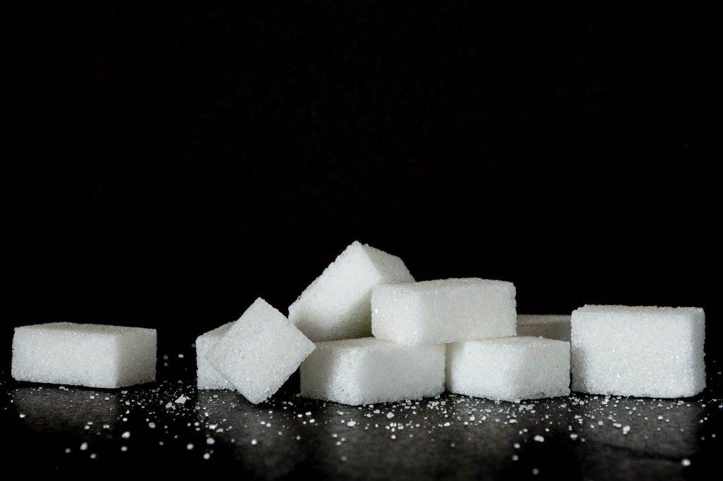 Zahărul și sarea sunt cei mai răi factori