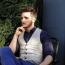 Cum poţi purta o cămaşă slim-fit şi ce poţi alege pentru a pune în valoare stilul tău