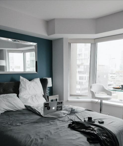 De ce este un pat tapițat cel mai confortabil?, Charmy