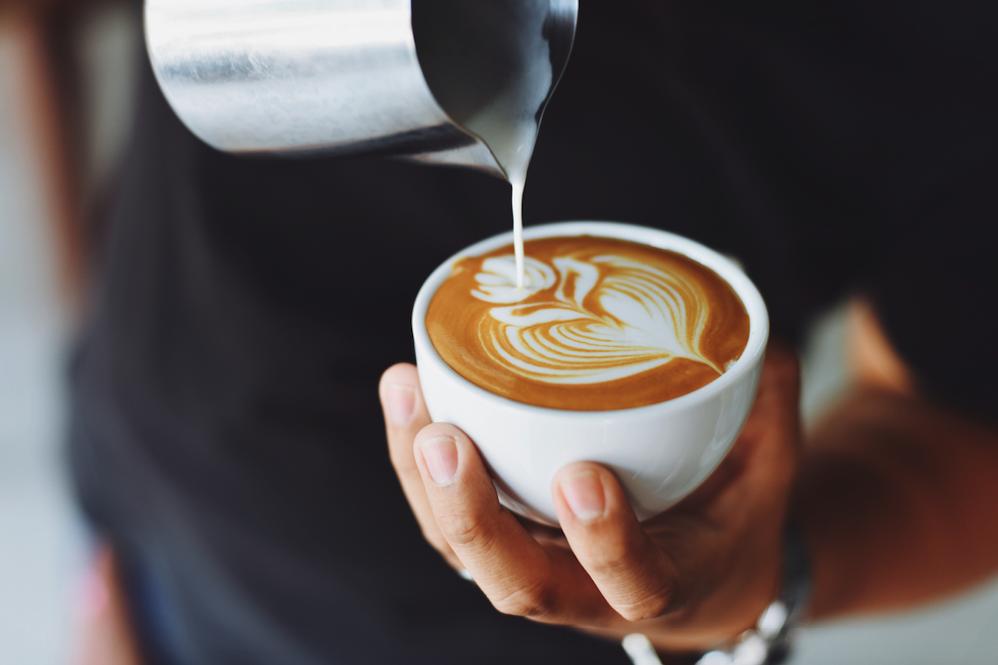 Ce se întâmplă dacă bei multă cafea, Charmy