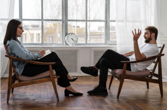 Care sunt aspectele intervenției psihiatrice care consolidează sprijinul psihoterapeutic?, Charmy