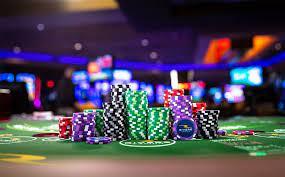 Cum să obții profituri la un casino online, fără a depune vreun ban?, Charmy